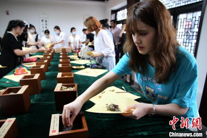 第八届济台青年志工公益交流夏令营在济南举办