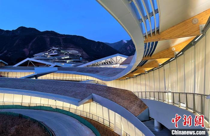 国家雪车雪橇中心。 北京市重大办供图