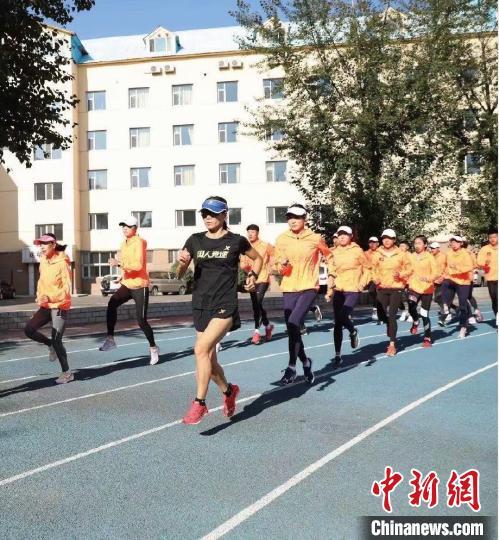 """交流:田径运动员史李英:""""在东京奥运会上 我会默默为中国队加油 """""""