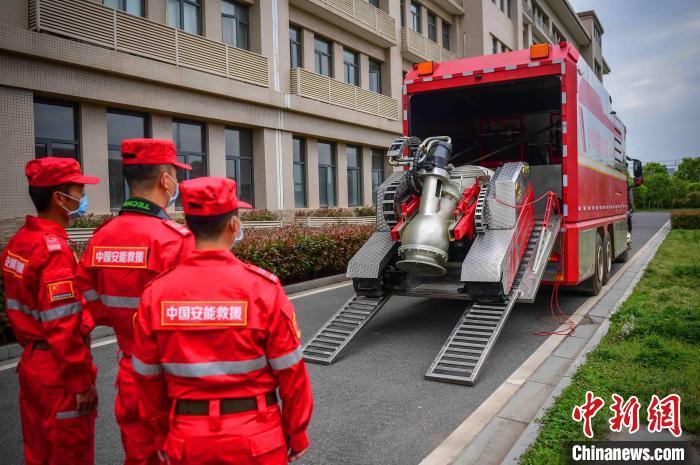 中国安能第二工程局紧急驰援河南郑州抗洪抢险