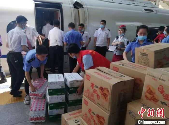 列车大面积晚点停运汉中车务段全力保障旅客安全