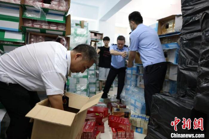广州一隔离酒店工作人员核酸阳性 专家:社区传播风险较小