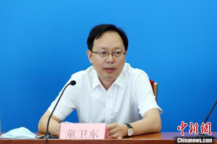 9月17日,全国人大常委会法工委国家法室主任童卫东回答记者提问。 全国人大常委会供图