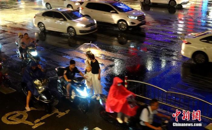 新一轮强降雨加速入秋进程 华南需警惕秋台风影响