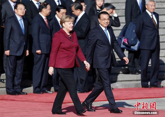 李克强举行仪式欢迎德国总理默克尔访华